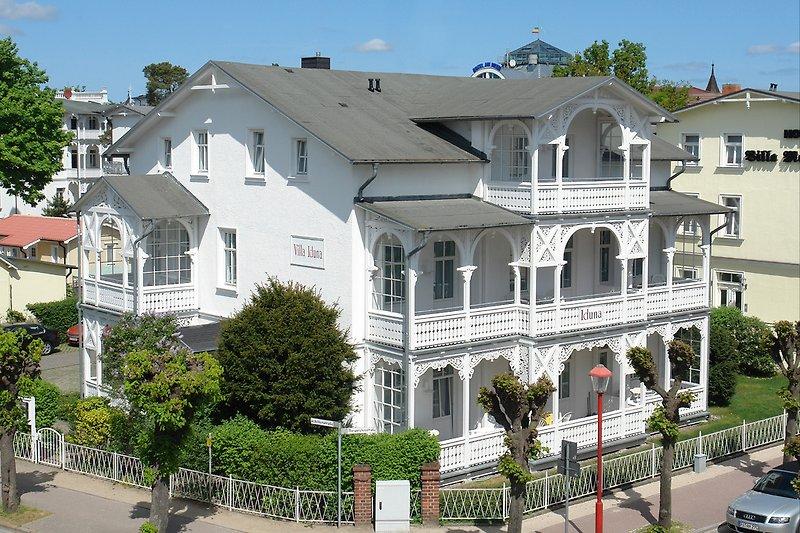 Hausansicht Villa Iduna in Binz.