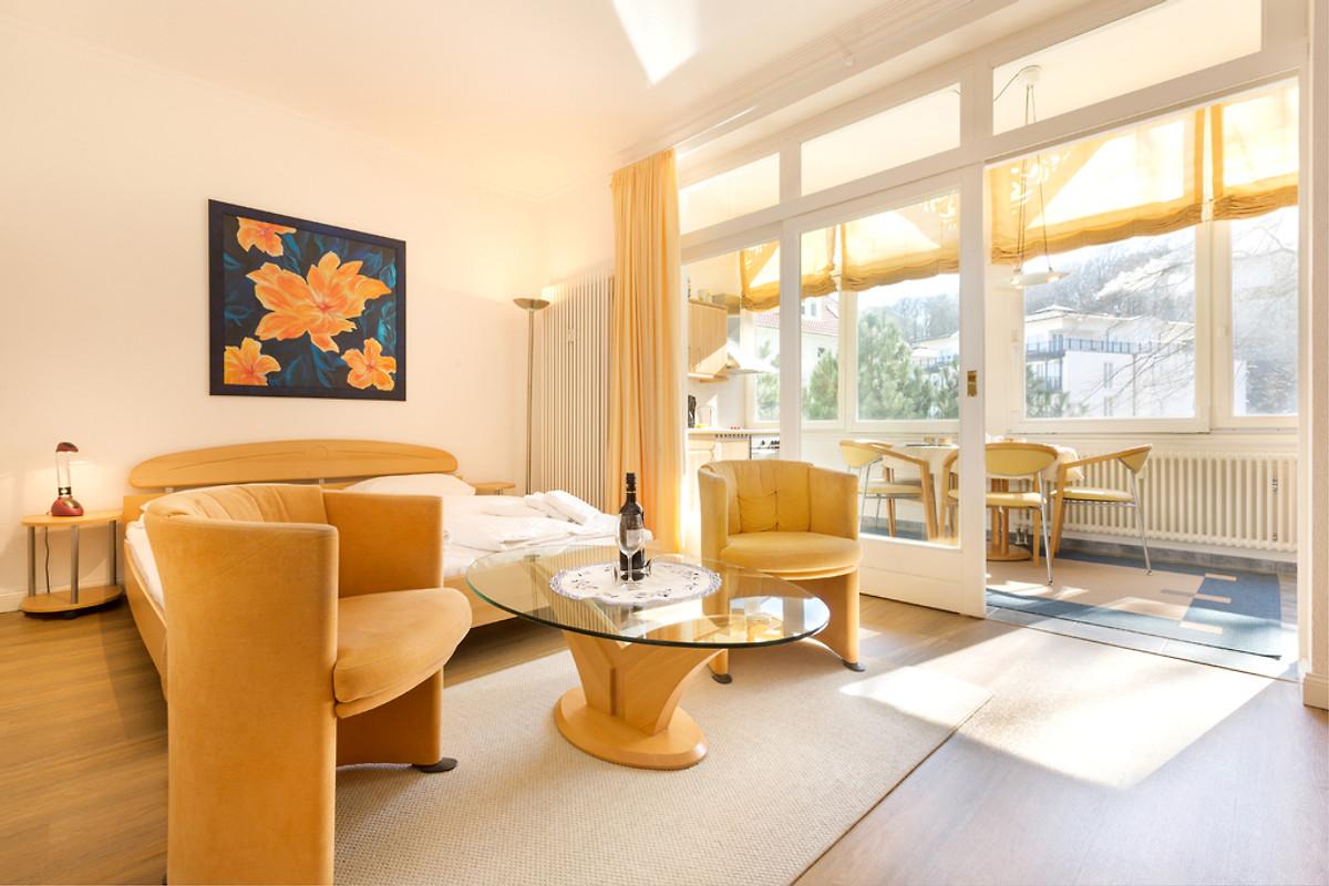villa stranddistel fewo josephine ferienwohnung in binz mieten. Black Bedroom Furniture Sets. Home Design Ideas