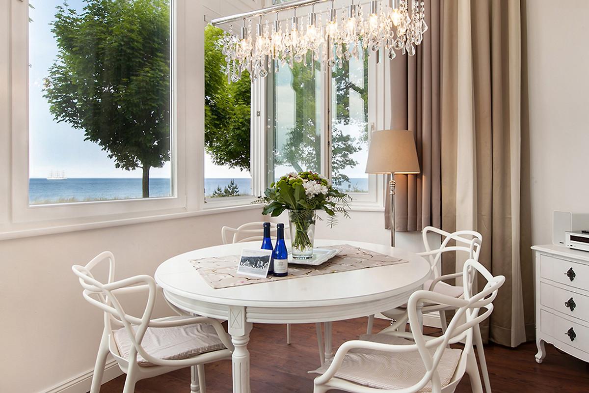 villa agnes fewo strandjuwel ferienwohnung in binz mieten. Black Bedroom Furniture Sets. Home Design Ideas