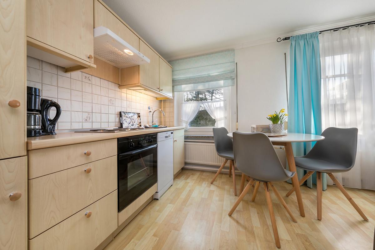 fewo sommerwind ferienwohnung in binz mieten. Black Bedroom Furniture Sets. Home Design Ideas