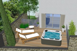 Apartment with outdoor hot tub