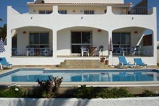 Guesthouse Villa M6 Salema ,B&B