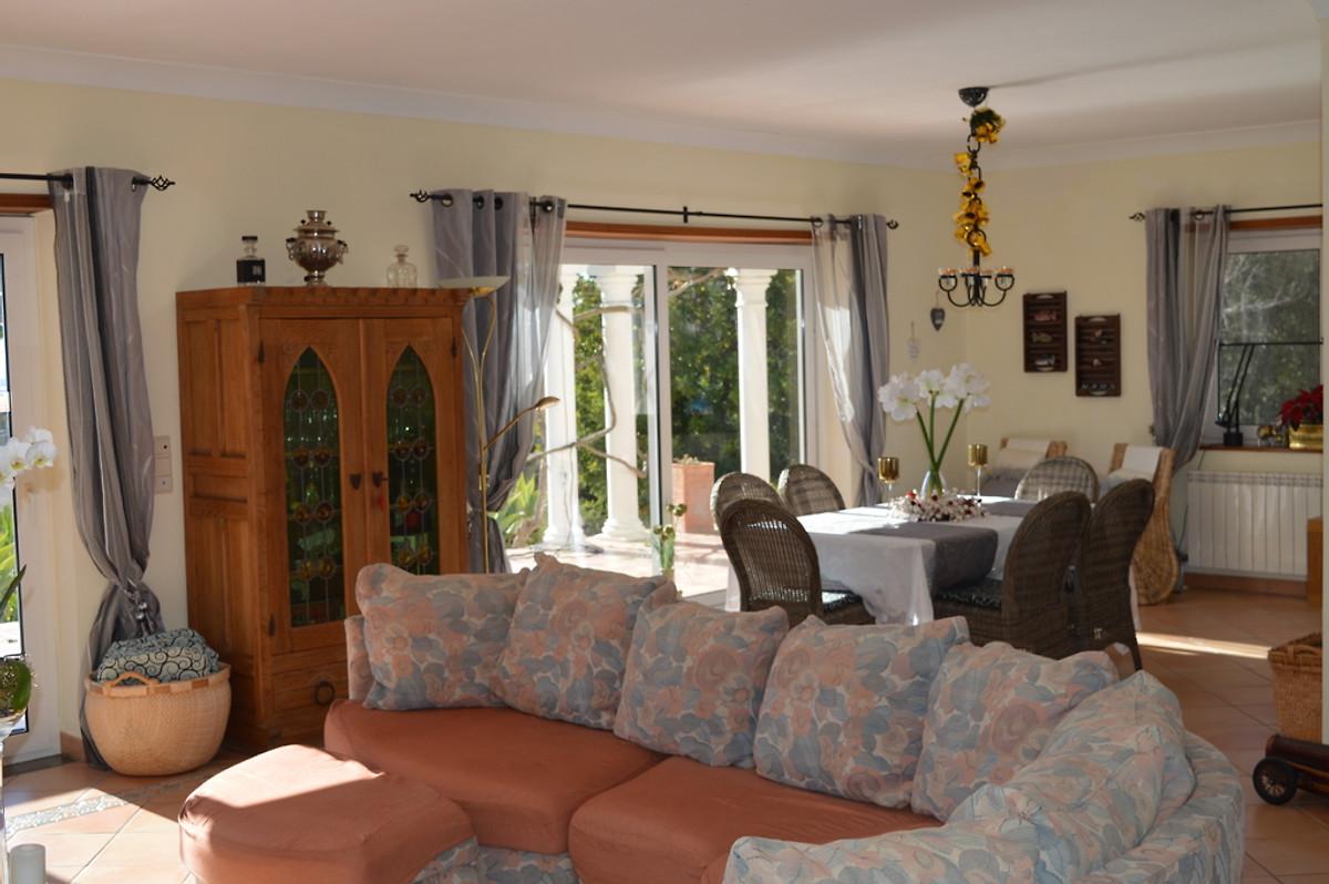 Villa monte e mar ferienhaus in est i mieten for Wohnzimmer quadratmeter berechnen
