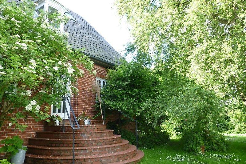 Haupteingang vom Garten