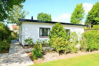 Ferienhaus mit schönen Garten OK25