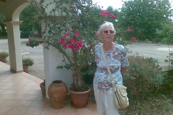 Madame J. Troja