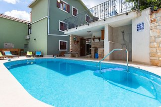 Kuća za odmor sa bazenom u Marčani