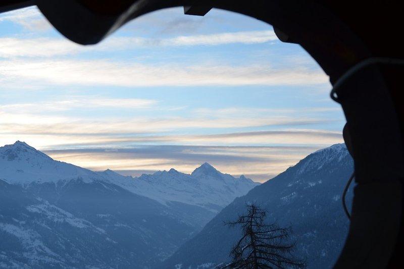 Traumhafter Blick von der Galerie aufs Matterhorn