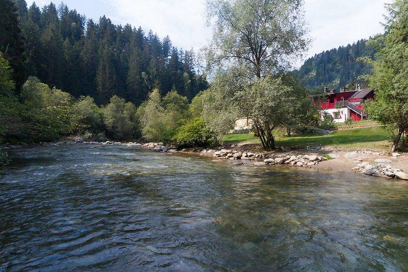 Lieserfluss mit Smileys Fluss Chalet