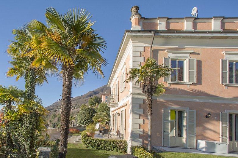 info(a)palazzo-valentino.it