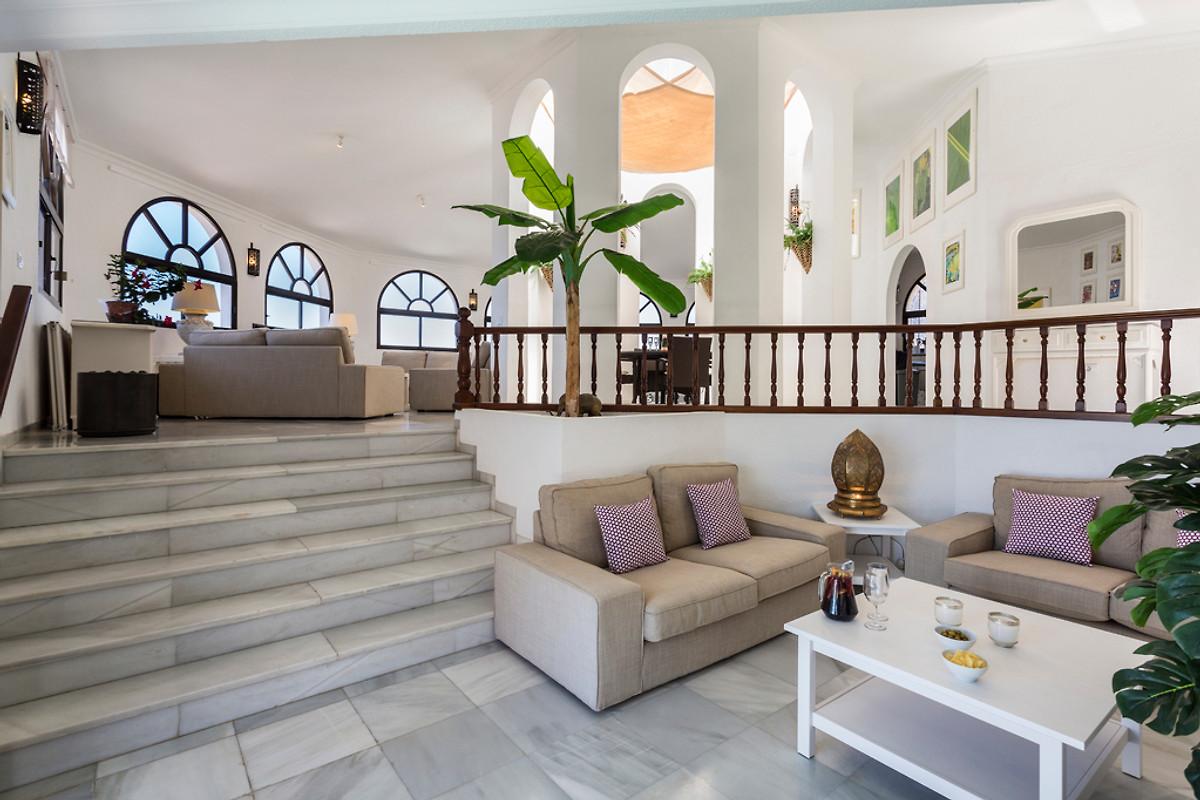 villa pinnacle ferienhaus in puerto de santiago mieten. Black Bedroom Furniture Sets. Home Design Ideas