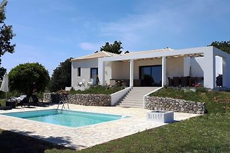 Villa ENA by the sea and Pool - new