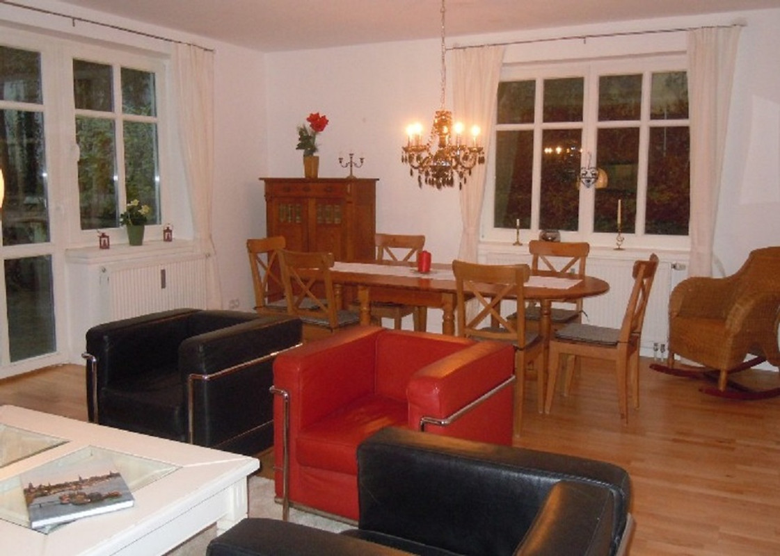 wohnung villa alt rahlstedt in hamburg frau winkelmann. Black Bedroom Furniture Sets. Home Design Ideas