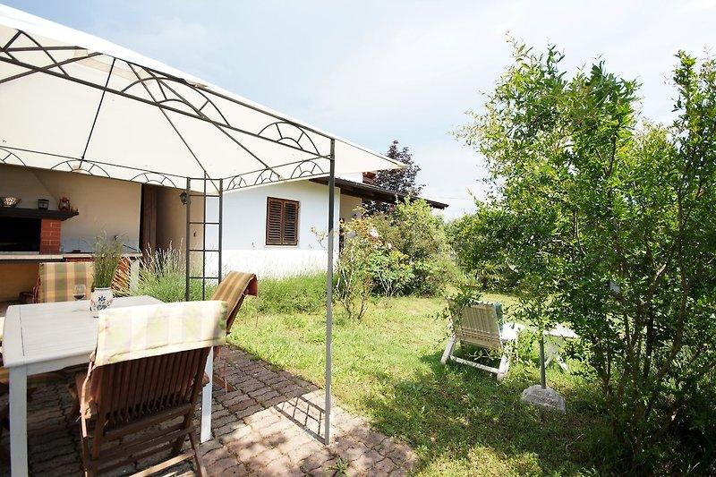 haus branka ferienhaus in krnica mieten. Black Bedroom Furniture Sets. Home Design Ideas