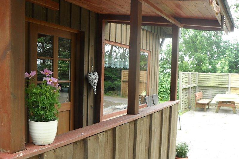 Ein schönes Holzhaus wartet auf Sie