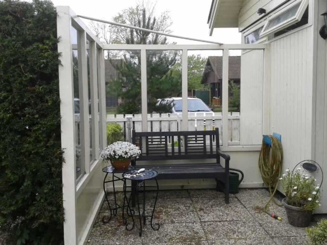gartenhaus ferienhaus in julianadorp aan zee mieten. Black Bedroom Furniture Sets. Home Design Ideas