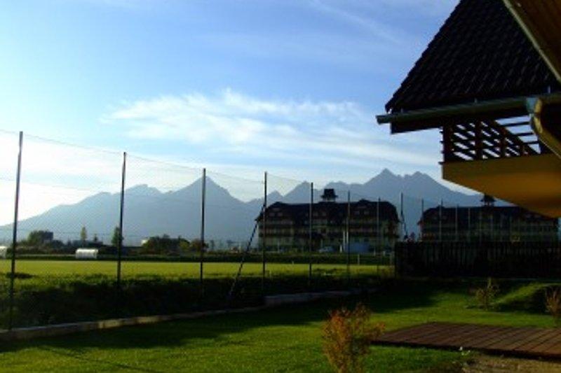 Blick von der Terasse auf die Hohe Tatra