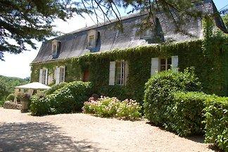 Domaine Le Peyrou: main manor