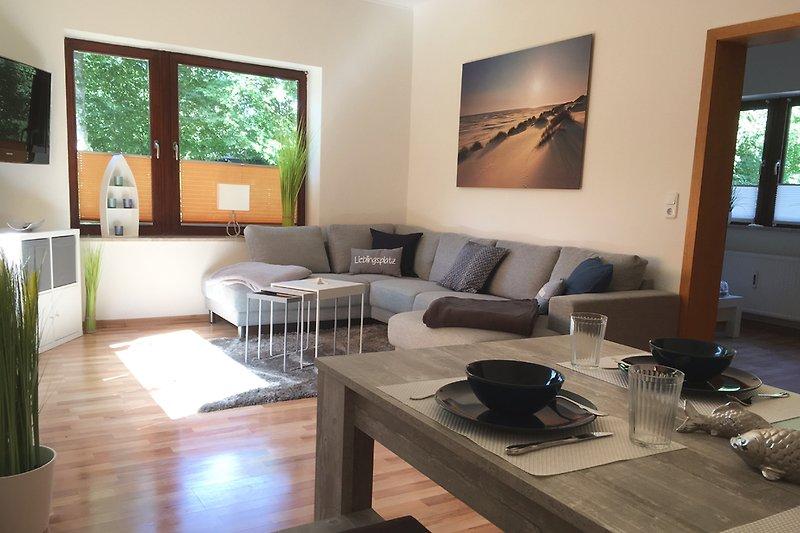 Wohnraum mit Essbereich