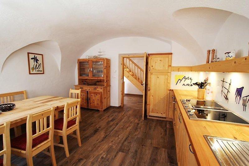 ... voll ausgestattete Küche