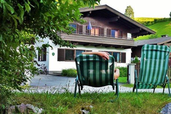 Sehr beliebt ist der kleine Bach vorm Haus. Im Sommer gut geignet zum Planschen und Abkühlen