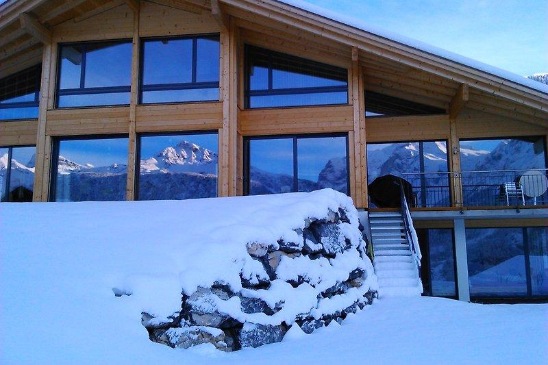 House Heeji in winter