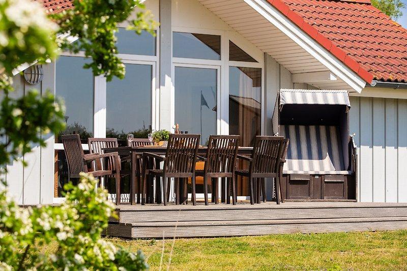 Sonnen-Terrasse vom Großer-Belt-Haus