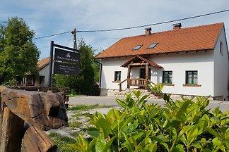 Brandy House Hedonica