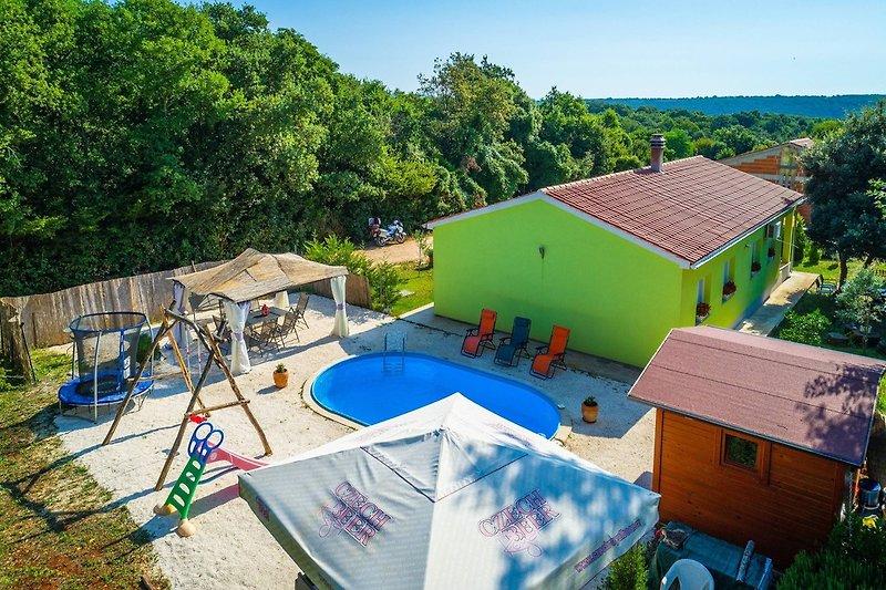 Ferienhaus Roby mit privatem Pool