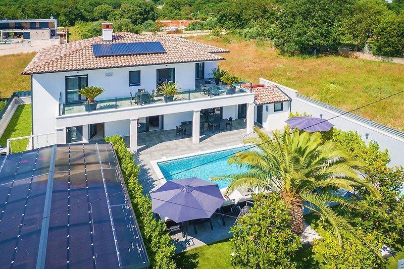 6 bedroom villa in Medulin