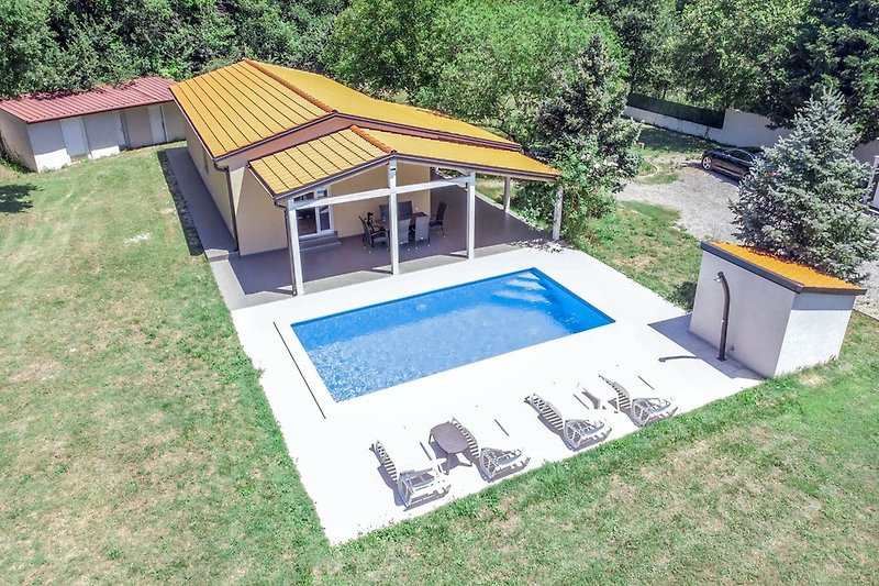 Holiday house Noelene with private pool