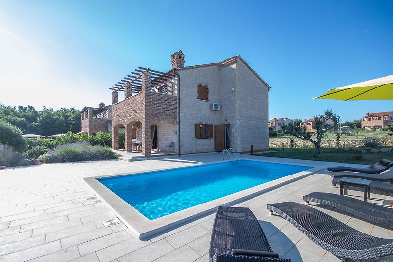 Villa Amelie with private pool