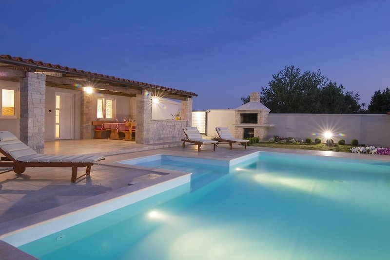 Holiday house Georgine with private pool