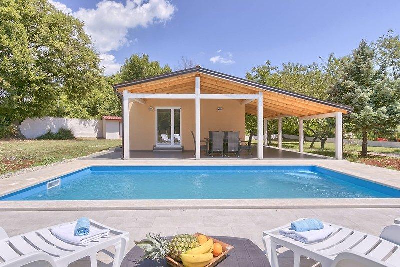 Ferienhaus Noelene mit privatem Pool