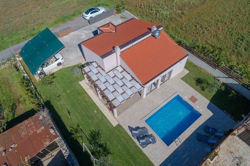Ferienhaus Bobo mit privatem Pool