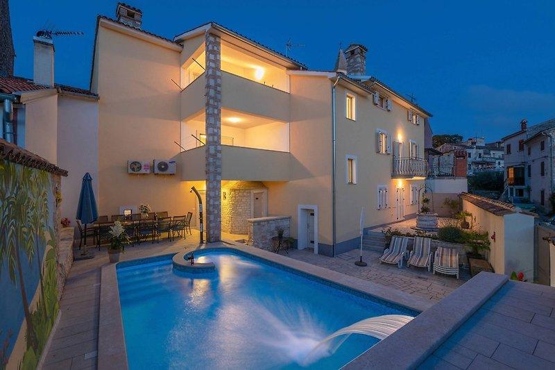 Villa Nada mit 6 Schlafzimmern und privatem Pool
