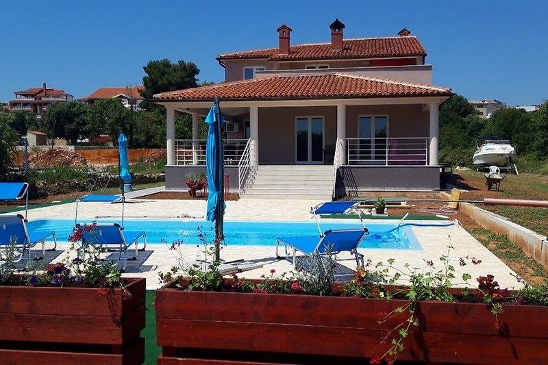 Apartments Livin Groß mit privatem Pool