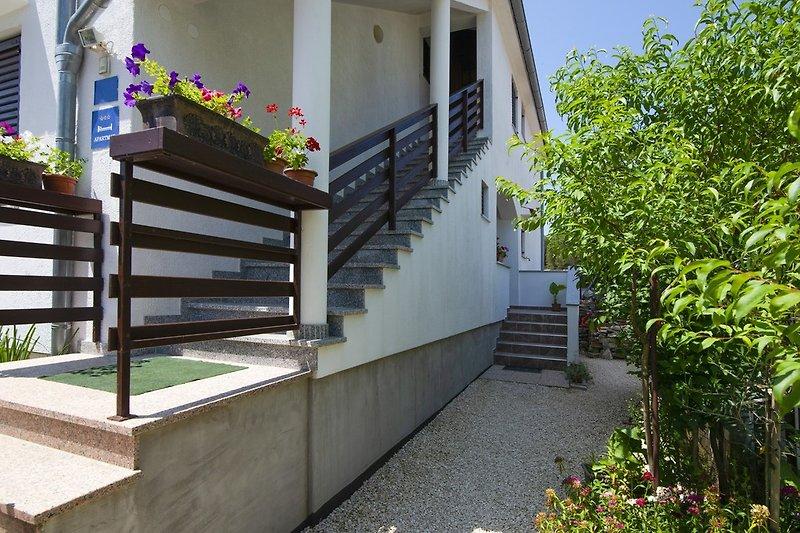 Apartments Maja in der Nähe des Meeres