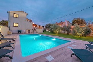 Holiday home relaxing holiday Pula
