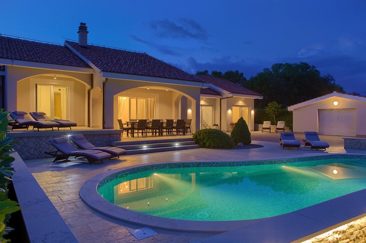 luxus villa gardena pool garten