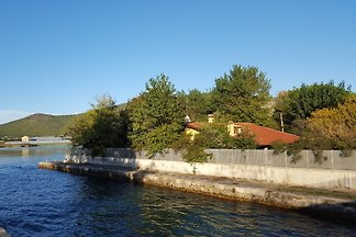 VILLA ON THE LAKE 50 METERS FROM THE SEA