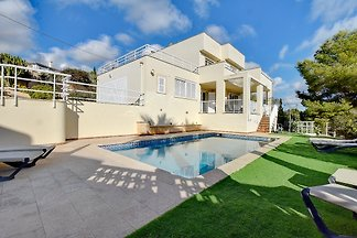 Villa Ulises mit Meerblick