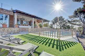 KIDS FRIENDLY Villa Enderrocat