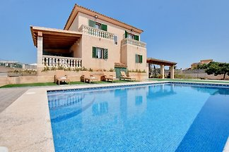 Villa East with PRIVATE SWIMMING POOL
