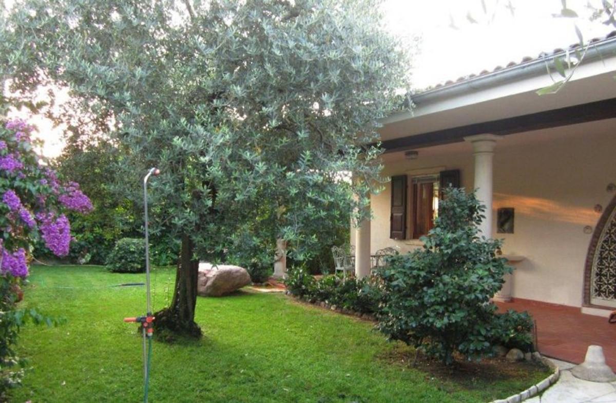 villa christine garda ferienwohnung in garda mieten. Black Bedroom Furniture Sets. Home Design Ideas