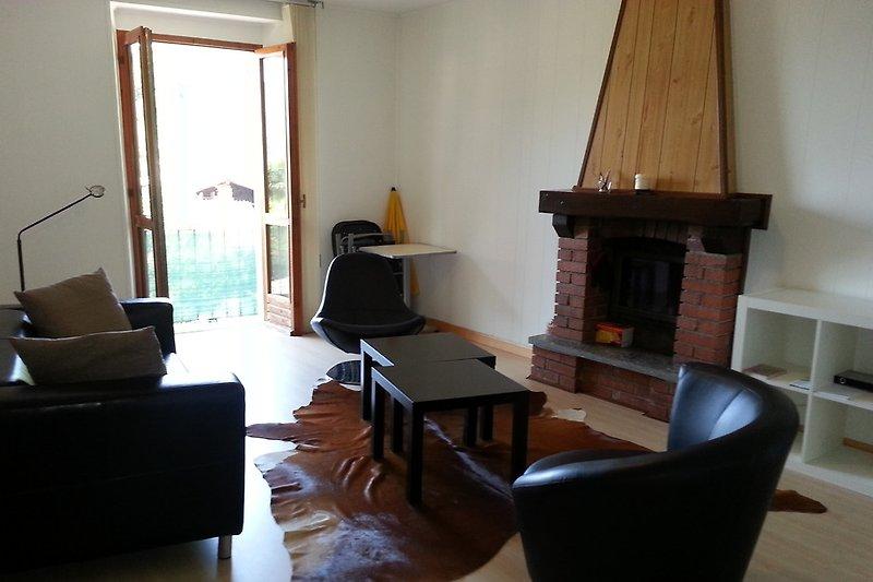 Wohnraum mit Cheminée