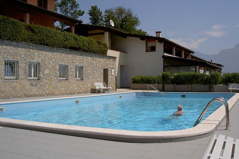 Heatable community pool...