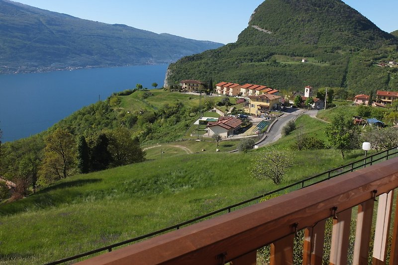 View from the balcony / terrace to Lake Garda