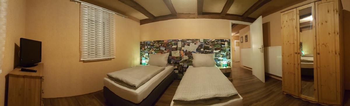 Ferienwohnung felsenland dahn in dahn frau beck - Panoramabild schlafzimmer ...