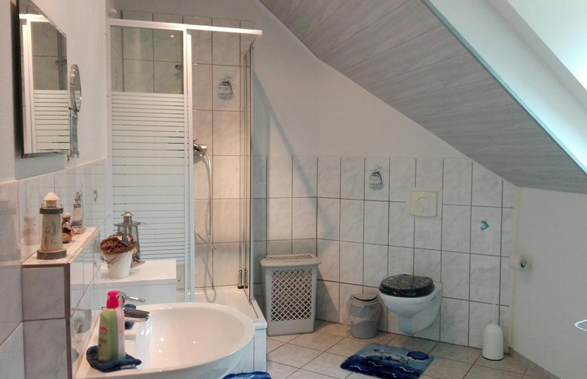zur burg hartelstein ferienwohnung in schwirzheim mieten. Black Bedroom Furniture Sets. Home Design Ideas